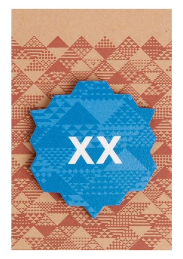 XX sinine puidust rinnamärk 50mm nõelkinnitusega